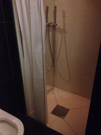 First Hotel Grims Grenka : Shower