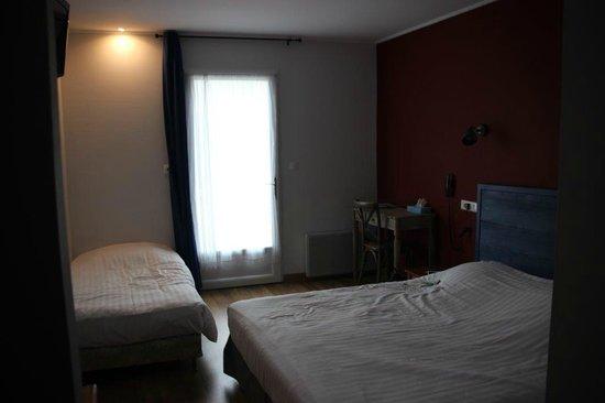Hotel Des Argousiers : Chambre rez de chaussée