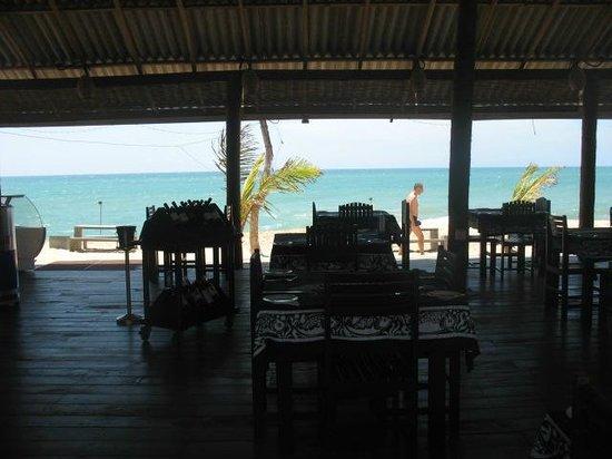 Lagoon Paradise Beach Resort : Ristorante sulla spiaggia