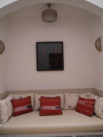 Riad Tahili & Spa : Sitting area by room