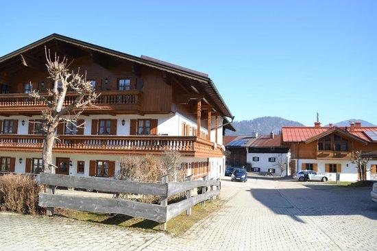 Demelhof mit gegenüberliegendem Zuhaus