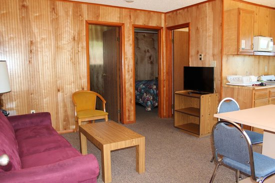 Flamingo Resort on Lake George: 2 bedroom for 4 - Flamingo East