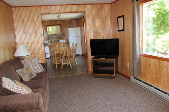 Flamingo Resort on Lake George: 3 bedroom for 6 - Flamingo East