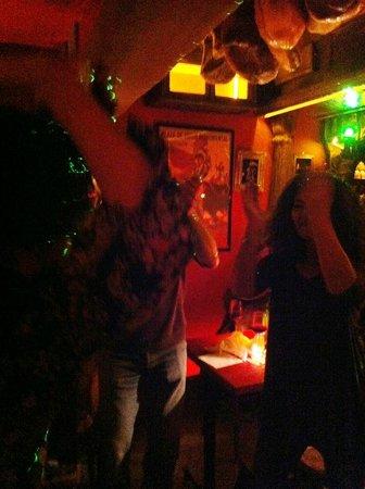 La Taberna : Dansons