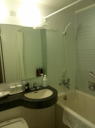 Hotel Sunroute Ariake: Bathroom