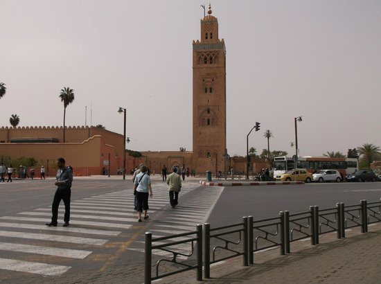 Riad Les Trois Palmiers El Bacha: view from main square