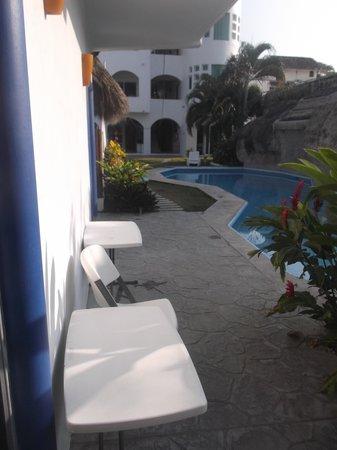 Hotel Alikar : Espace piscine - 4/03/2014.