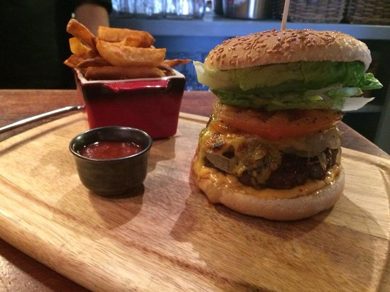 Seagrass Restaurant : Home made beef burger