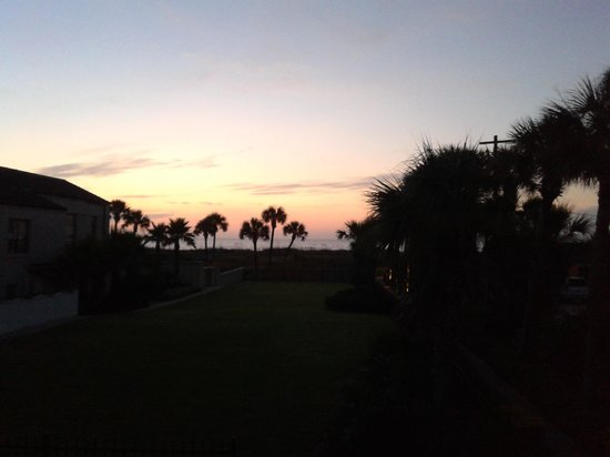 La Fiesta Ocean Inn & Suites: Sunrise from our oceanview room