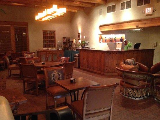 Inn on the Alameda: Breakfast/ Wine and cheese area