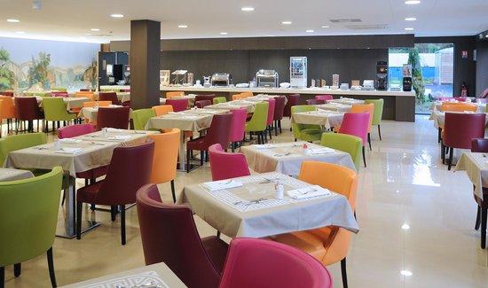 Hotel Roi Soleil Prestige : salle petit déjeuner