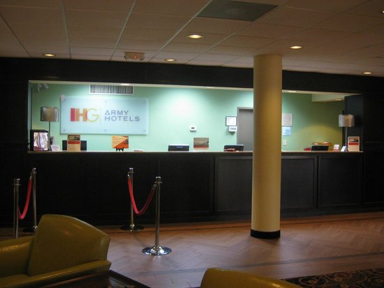 IHG Army Hotels on Fort Gordon, Griffith Hall: Front Desk