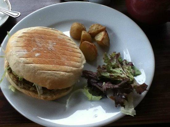 Quilliam Brothers: Falafel Burger