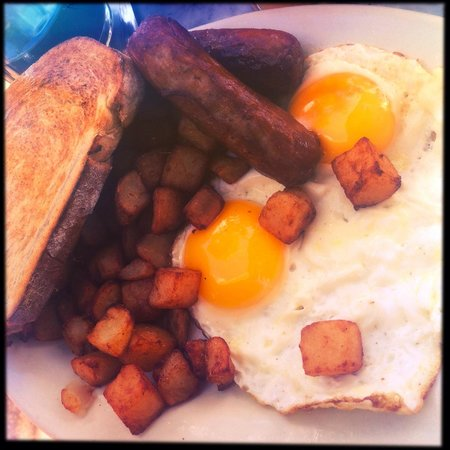 News Cafe: Breakfast - sausage, eggs, toast and potatoes