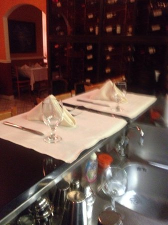Castello Restaurant : Seating at the bar
