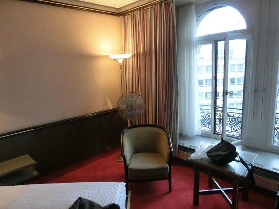 Hotel Monopol Luzern: 部屋内