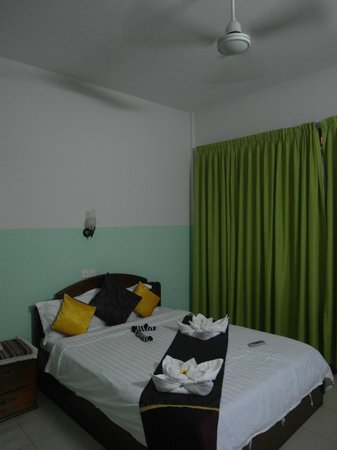 Golden Orange Hotel: Bedroom