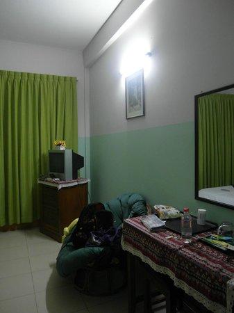 โรงแรมโกลเด้น ออเร้นจ์: Bedroom