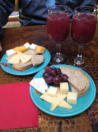 Inn on the Alameda: Sangria and cheese plates