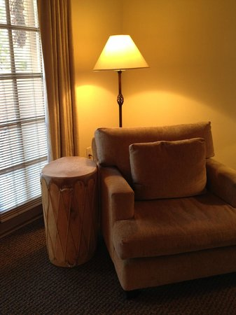Inn on the Alameda: Large chair