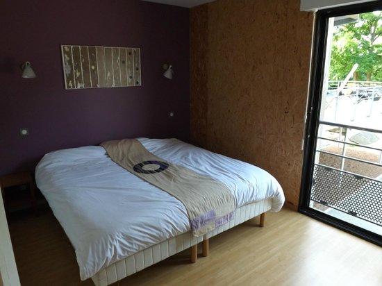 Auberge des VoyaJoueurs : la chambre, simple mais confortable