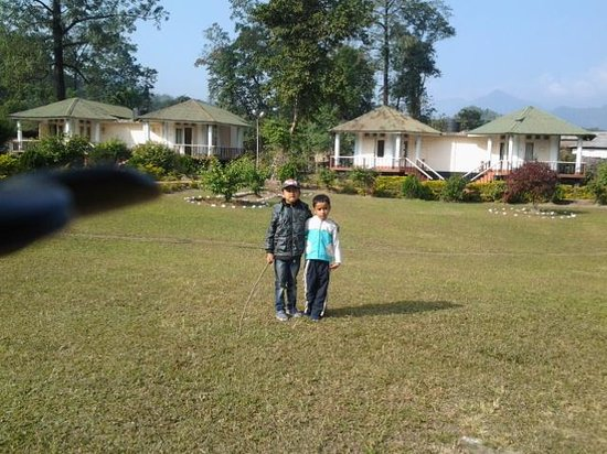 Bhalukpong Tourist Lodge: cottages n kids