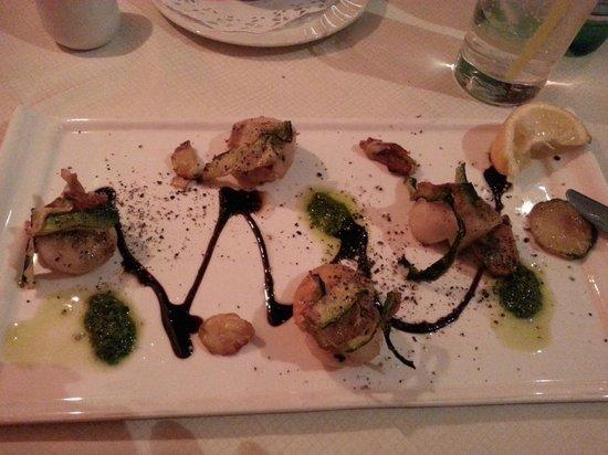 Tiramisu: Pan fried scallops