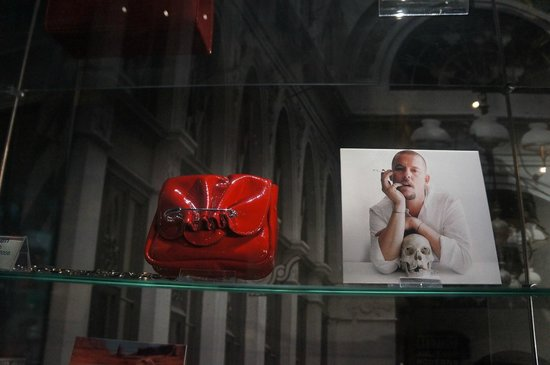 Museum of Bags and Purses: Сумочка от Маккуина