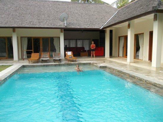 Kelapa Luxury Villas : No photo came through