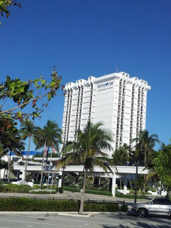 Bahia Mar Fort Lauderdale Beach - a Doubletree by Hilton Hotel : Hotel Exterior
