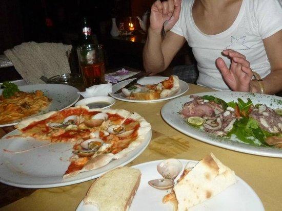 PEPeNERO Cucina Italiana: スパゲッティ、ピザ、カルパッチョ