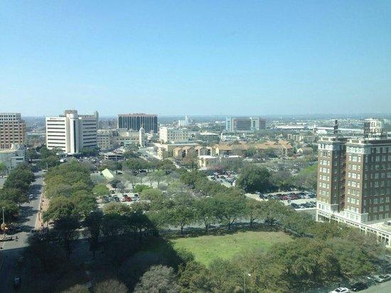Embassy Suites by Hilton San Antonio Riverwalk-Downtown : rm vu