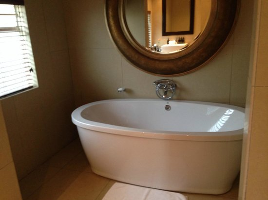 The Residence Boutique Hotel: Indoor bath