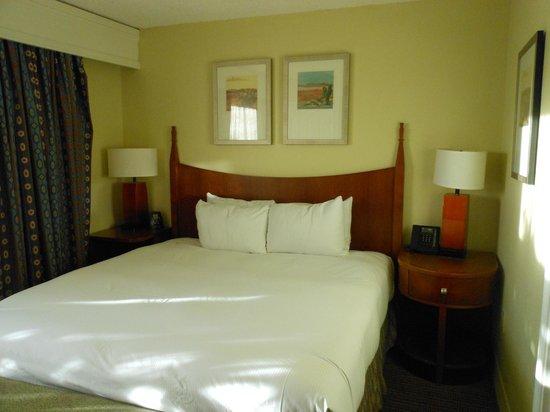 Pointe Hilton Squaw Peak Resort: Bed