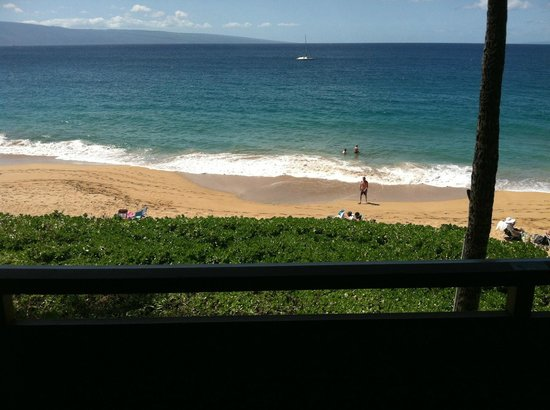 Kaanapali Ocean Inn. Room 1624. 3rd Floor Ocean View. Looking at the beach below