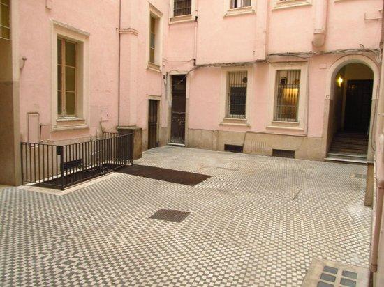 Bed & Breakfast Maggiore : Cour intérieure de l'immeuble