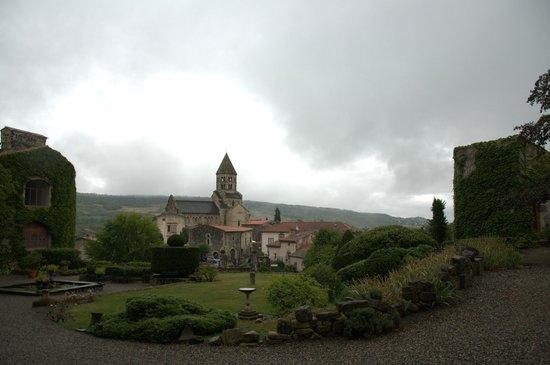 Château Royal de Saint Saturnin : chateau