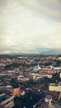 Swiss-Belhotel Maleosan Manado: City view from the room, taken on December 3rd 2013.
