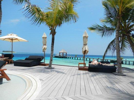 Komandoo Maldives Island Resort: Pool