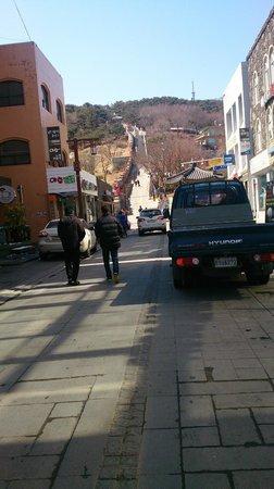 Hwaseong Fortress: 角を曲がるとその先に