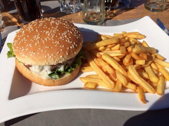 Hotel Restaurant Auberge de Savoie : Le burger savoyard