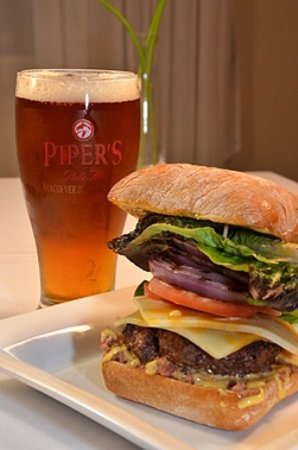 Quamichan Inn : Best Burger Ever