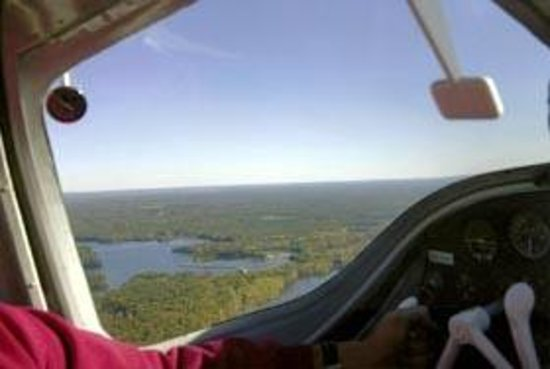 Wings Air Charter : Scenic Air Rides over central Wisconsin.