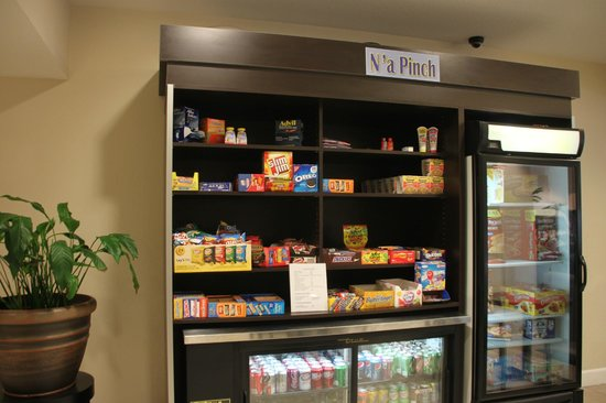 Microtel Inn & Suites by Wyndham Brooksville: Just look at this convenience enter