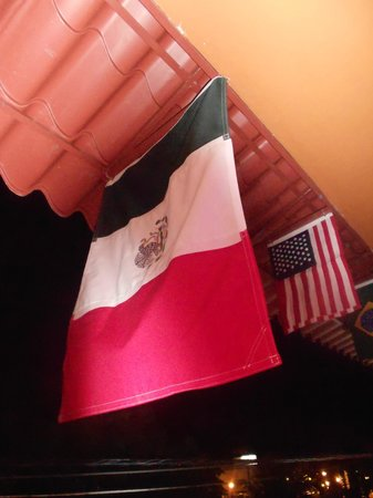 La Parrilla Mexican Grill : Flags