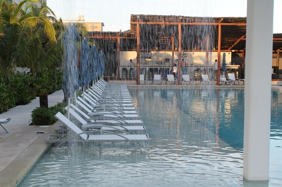 Secrets The Vine Cancun: All the pool areas were great