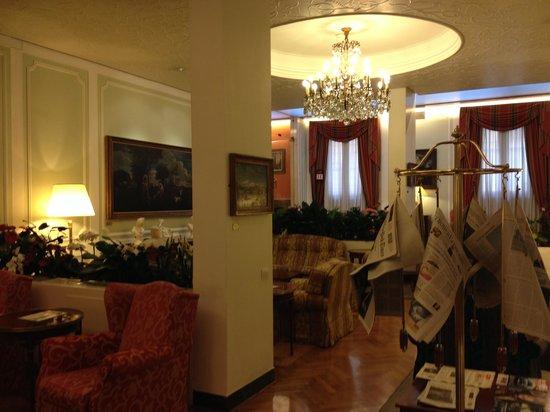 Hotel Victoria: quaint lobby