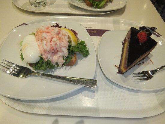 Karl Fazer Cafe : Open sandwich of ham  &  Chocolate cake