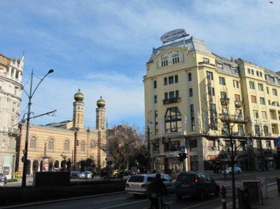 Budapest City Central: immeuble dans lequel se trouve l'hôtel & synagogue
