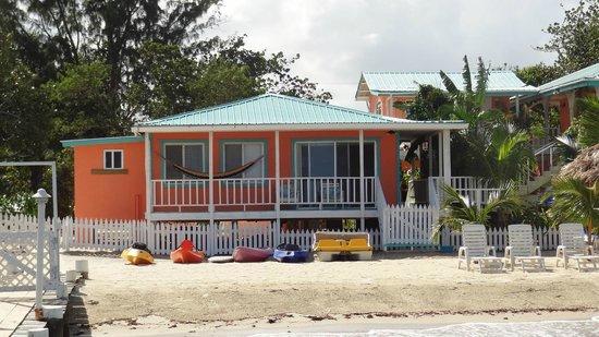 Joyce & Frank's Bed & Breakfast: Beach House